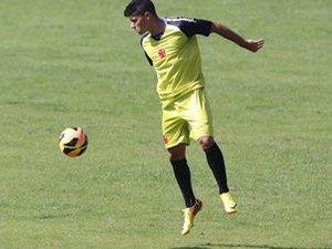 Henrique teve seu contrato com o Vasco renovado por mais 3 anos