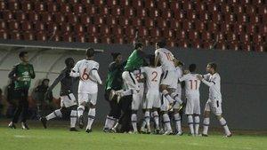 Jogadores celebram gol contra o Londrina
