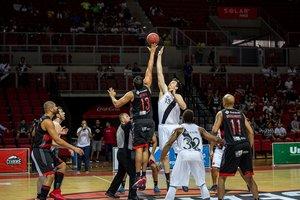 Em partida emocionante, Vasco vence o Flamengo na prorrogação