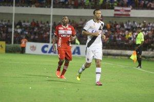 No primeiro turno, vitória vascaína no Estádio Rei Pelé
