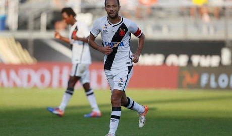 Com gol de falta, Vasco vence River Plate e fica em 3º na Florida Cup