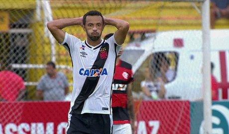 Diego faz de pênalti, Vasco joga mal e está eliminado da Taça Guanabara