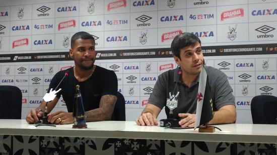 Bruno e Euriquinho na sala de entrevistas