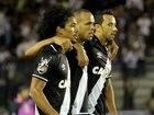 Após rumores de saída, Nenê retoma protagonismo no Vasco