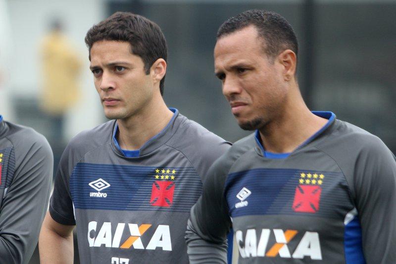 Anderson Martins e Luís Fabiano