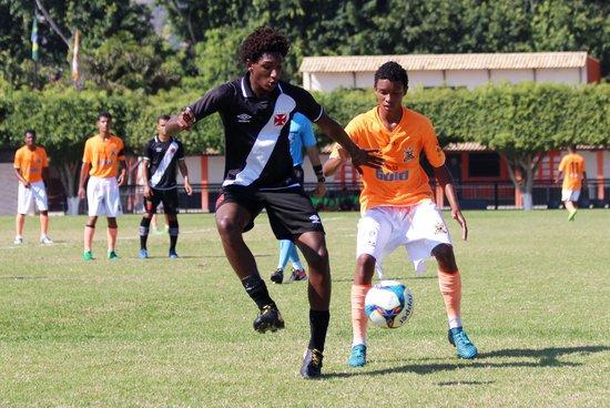 Talles marcou o gol cruzmaltino contra o Nova Iguaçu
