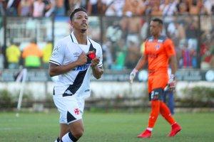 Caio Monteiro festeja gol