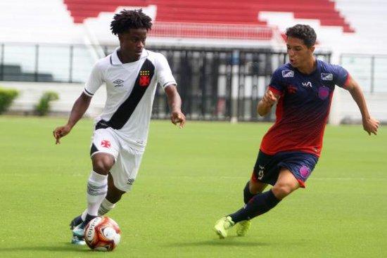 Lucas Santos, Autor de um gol neste domingo