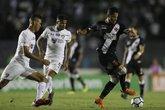 Giovanni Augusto durante o clássico contra o Fluminense (Foto: Rafael Ribeiro/Vasco.com.br)