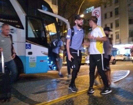 Grêmio desembarca no Rio de Janeiro