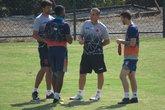 Jorginho conversa com Breno e Luiz Gustavo em Pinheiral (Foto: Felipe Schmidt)
