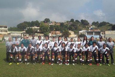 Jogadoras do Vasco em foto tradicional antes da partida contra as Amigas da Barreira