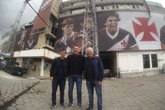 Sorato, Carlos Germano e Dinamite em São Januário (Foto: Fred Huber)