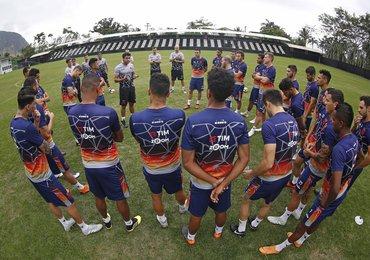 Jogadores fazem pacto por reação contra o Bahia em São Januário
