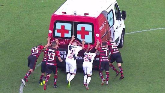 Ambulância que transportou Bruno Silva