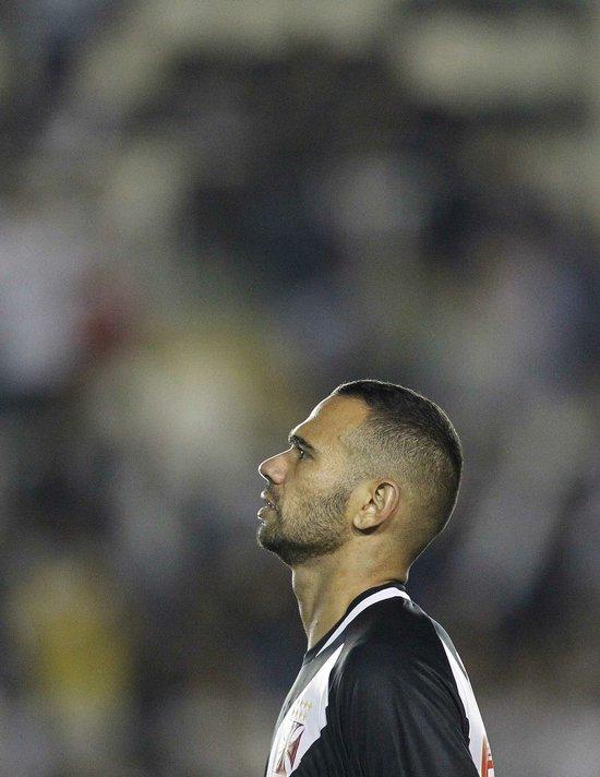 Leandro Castan em ação pelo Vasco
