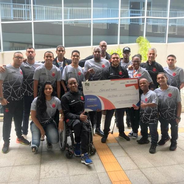 Delegação do Vasco no Brasileiro de Natação Paralímpica