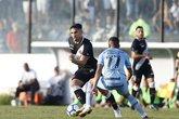 Andrey tenta driblar Cícero no duelo do 1º turno (Foto: Rafael Ribeiro/Vasco.com.br)