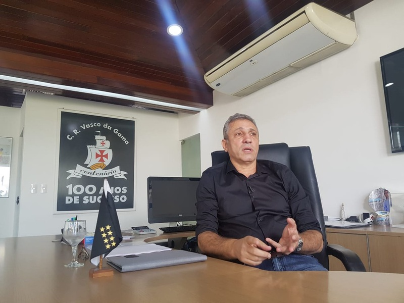 Alexandre Campello na sala da presidência: orçamento do Vasco está pronto para 2019