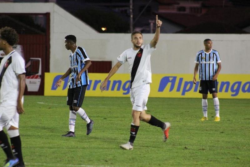 Caio Lopes marca para o Vasco contra o Grêmio na Copa RS