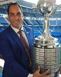 Edmundo homenageando Vasco e Palmeiras