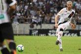 Luiz Gustavo jogou improvisadamente na lateral em 2018 Foto (Foto: Carlos Gregório Jr/Vasco.com.br)