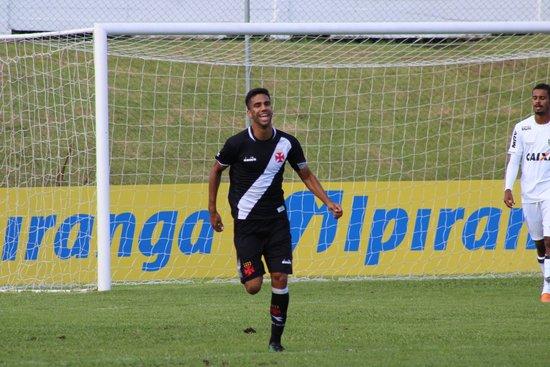 Tiago Reis marcou o gol do Vasco na partida