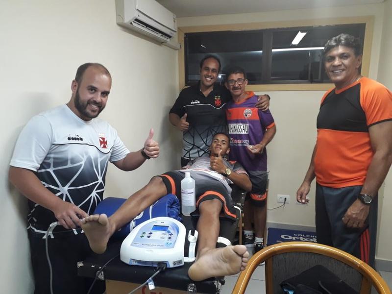 Departamento médico do Vasco ajudou delegação do Carajás-PA