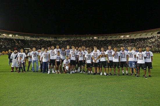 Jogadores assistiram um vídeo em homenagem a campanha na Copinha