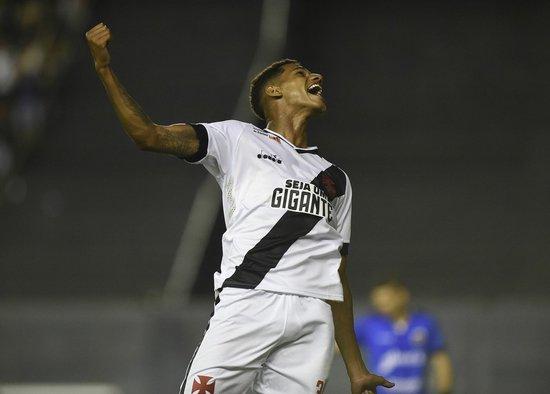 Marrony comemora o gol