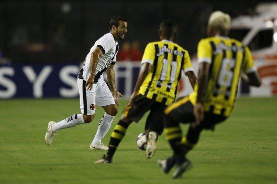 Raul Cáceres se destacou no primeiro jogo na Colina