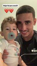Thiago Galhardo e seu filho Bernard