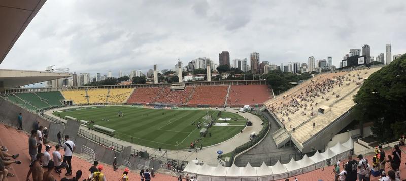 Torcedores vão chegando ao estádio para a final da Copinha 2019