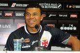 Yan Sasse se mostrou empolgado com a oportunidade de atuar pelo Vasco (Foto: Carlos Gregório Jr/Vasco.com.br)