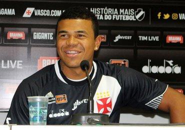 Yan Sasse é regularizado e já pode estrear pelo Vasco contra o Madureira