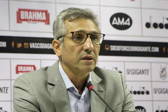 Alexandre Campello é presidente do Vasco