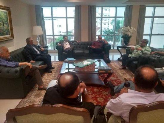 Dr Serafim Borges, Dr Adilson Camargo (Sociedade de Medicina), Deninho e Paulinho Figueiredo