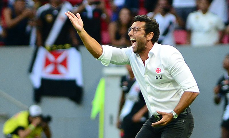 Valentim comemora vitória sobre Fluminense e time 100% em 2019 - SuperVasco c2a67ad8429e8