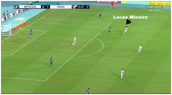 Vasco por vezes subia a marcação. Destaque para Lucas Mineiro, marcando no campo de ataque