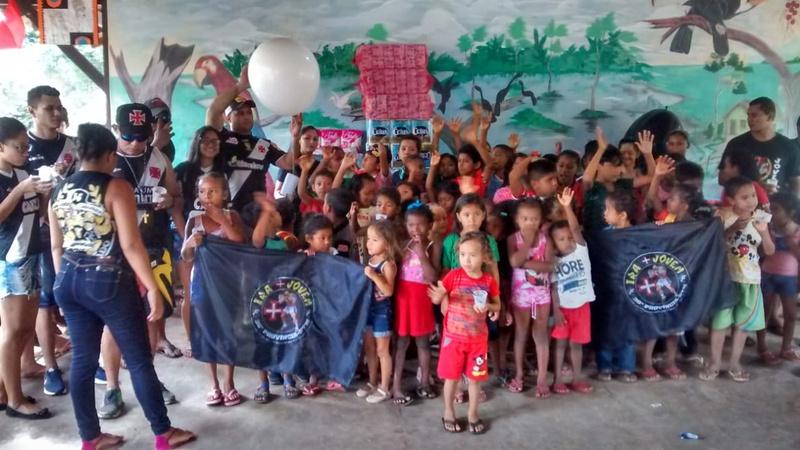 Crianças da escola São Pedro, na comunidade Quilombo de Bom Jardim, recebeu a ação social da Torcida