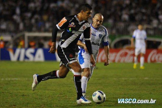 Diego Souza foi decisivo contra o Avaí em 2011