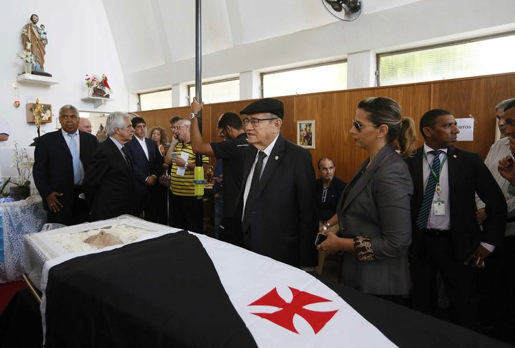 Presidente da CBF compareceu para última homenagem