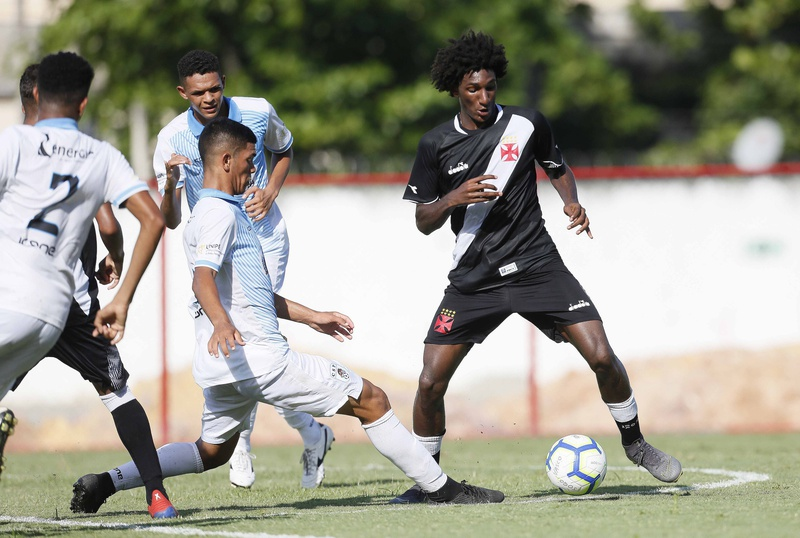 Talles marcou um gol e deu uma assistência diante do CSP-PB