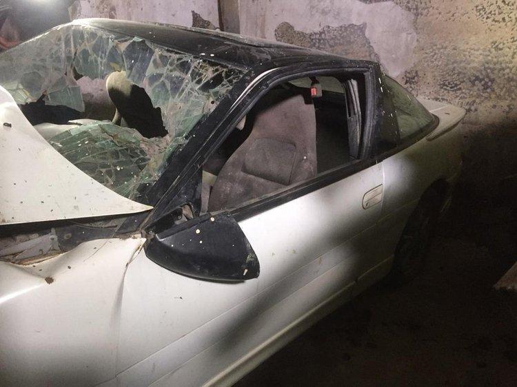 Com vidro quebrado, carro de Dener ainda conserva parte traseira intacta