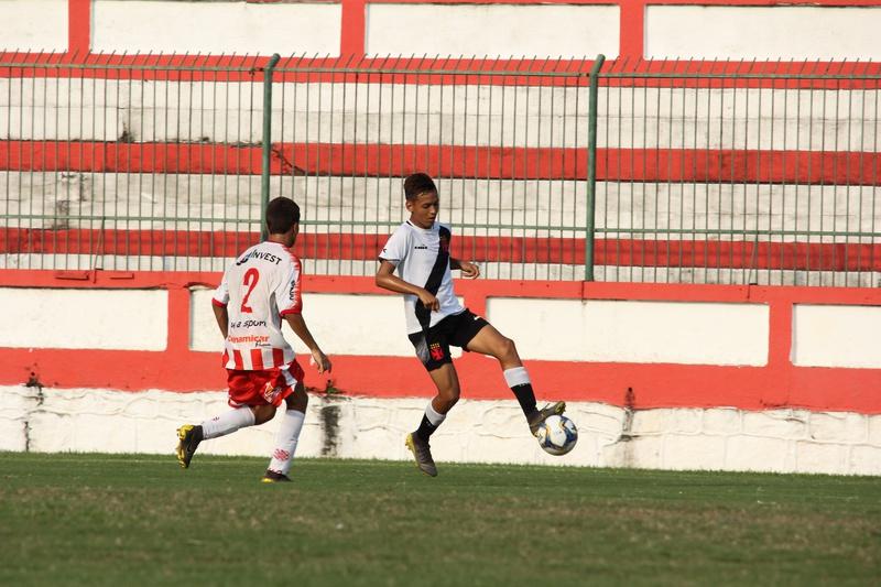 Sub-15 vence Bangu pelo Carioca