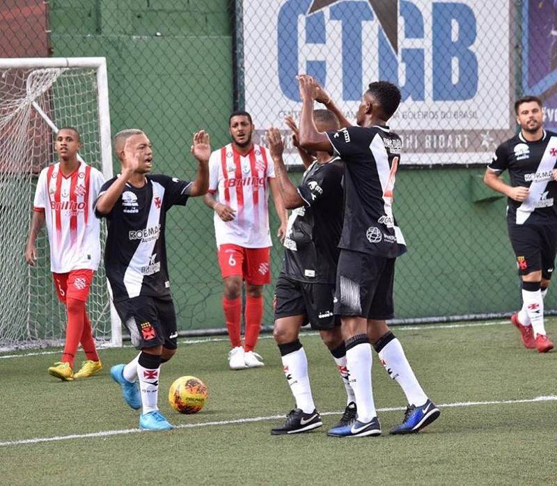 Vasco goleia o Bangu pela Copa SUDERJ