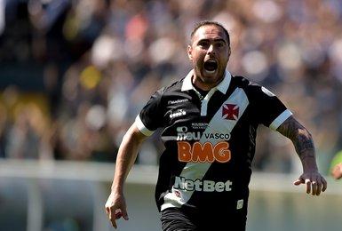 Bruno César comemora gol sobre o Fluminense
