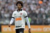 Atacante Talles Magno, de 17 anos, durante jogo entre Vasco e Athletico-PR em São Januário (Foto: Thiago Ribeiro/AGIF)