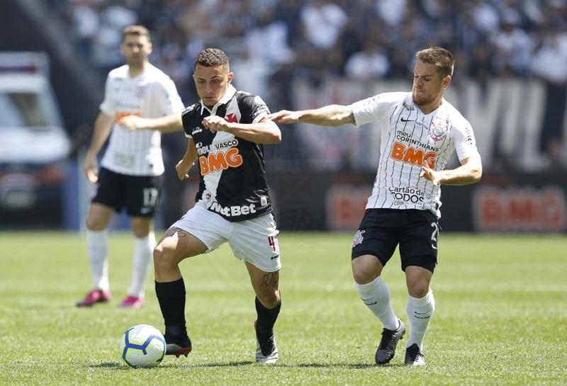 Bruno Gomes em sua estreia pelo Gigante da Colina