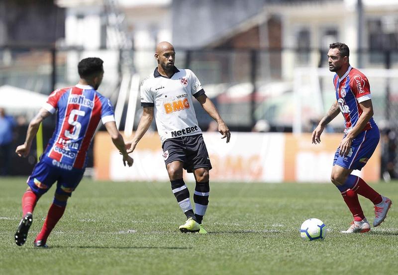 Fellipe Bastos foi titular contra o Bahia